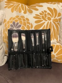 Crown deluxe brushes set NEW Antioch, 94509