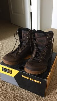 Men's hiking boots/shoes size 8 1/2 Ewa Gentry, 96706