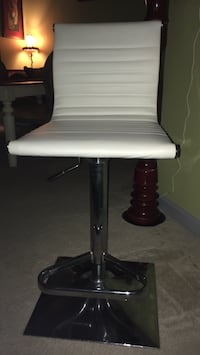 white and black table lamp Laurel, 20723