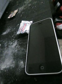 black iPhone 4 with black case Oak Hills, 92344