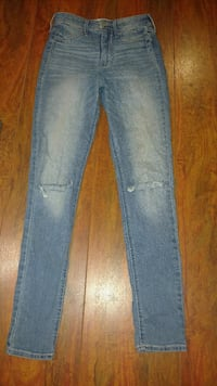 Hollister Ripped Jeans Size: 3 Wilkes-Barre, 18702
