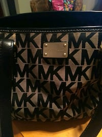 Michael Kors Monogrammed Purse Germantown, 20876