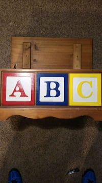 Wood toy box approx 29Lx14Wx11H Omaha, 68154