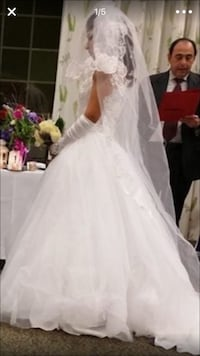 Women's white floral wedding dress Springfield, 22150