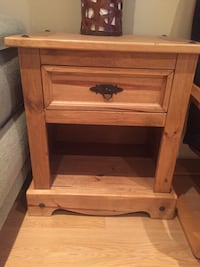 Pier one side table Mississauga, L5W 1E9
