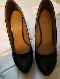 pair of black leather heeled shoes Calgary, T1Y 1E2