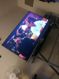 """50"""" Sharp smart tv with remote control and dvd player with remote $350 Murfreesboro, 37130"""