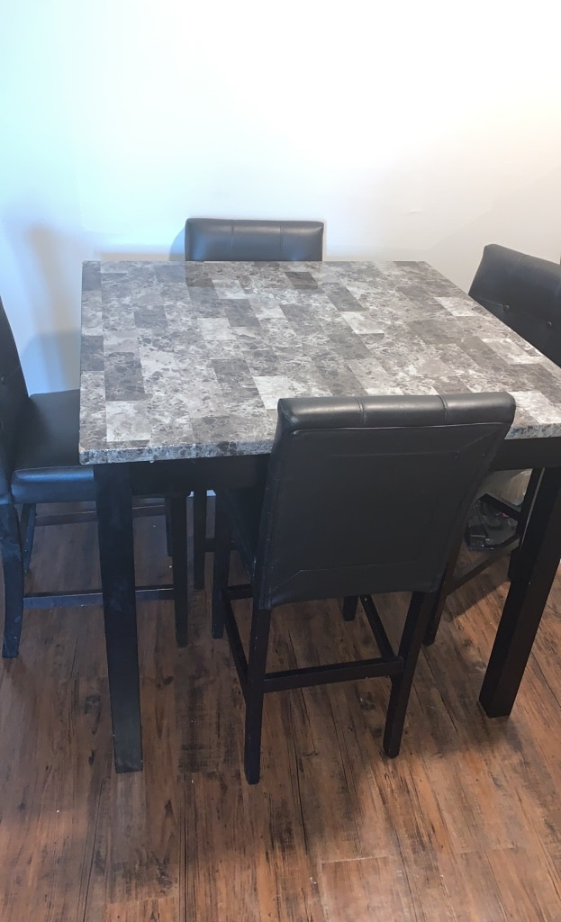 Photo 4 piece dining room table set