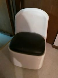 """$20 Chair on Wheels 23"""" Tall Excellent Condition"""