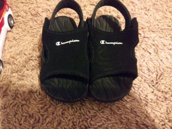 Champion sandals size 7 1/2 toddler