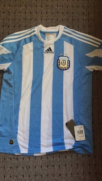 New with tag Adidas men shirt Watsonville, 95076