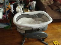 baby's gray and white bassinet Chicago, 60649
