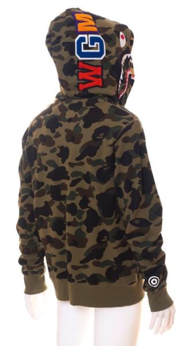 Bape 1st double shark camo 2ff32830-da1c-4993-a9c3-05be29e84fe0