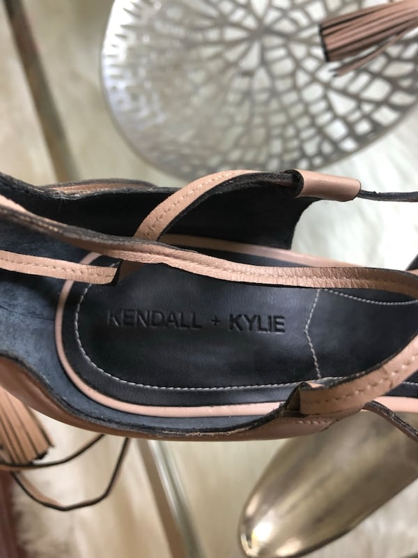 Kendall and Kylie Mira Sandal with leather tassels 915c75ad-3ccc-4ee0-a4e1-421354aee962