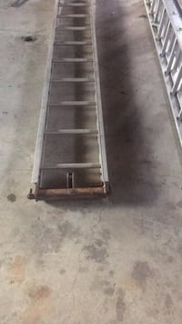 10 Ft Portable Ladder with pulley Edmonton, T6K 3B6