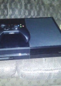 Xbox 1 with 1 controller and few games. Louisville, 40211