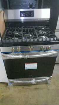 black and gray gas range oven Queens, 11375