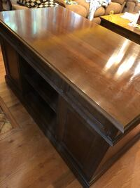 Wood Desk in excellent condition King George, 22485