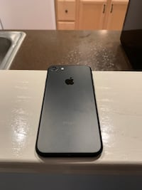 jet black iPhone 7 with box Frederick, 21703