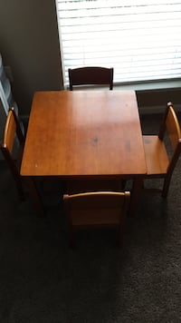Kids table with four chairs
