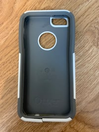 OtterBox iPhone SE case Gray and White West Vancouver, V7V 3J2