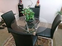 Dining table round glass with stell base fin art Coquitlam, V3K 6W7