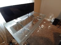 """Sell 20"""" thin bezel monitor. Missing 1 cable. 2 for $100 Redlands, 92373"""