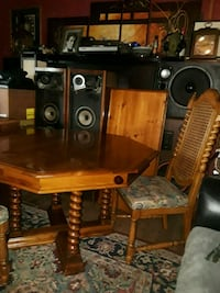 THOMASVILLE DINING TABLE AND 5 CHAIRS  Lakewood, 80226