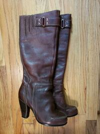 pair of black leather knee-high boots Bronx, 10471