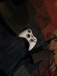 white Xbox 360 console with controller Stony Point, 10980