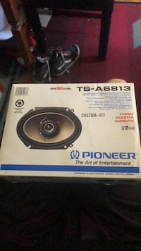 Pioneer custom car speaker set Trumbull, 06611