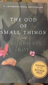 The God of Small Thing (paper back)