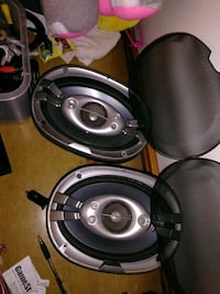black and gray coaxial speakers Alliance, 44601