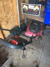 Red and black push lawn mower Kitchener, N2E 1M5