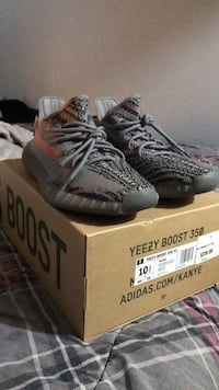 pair of black Adidas Yeezy Boost 350 V2 with box Houston, 77037