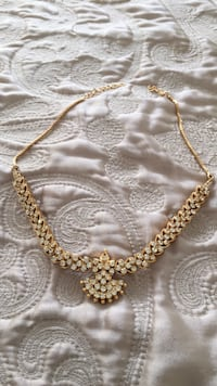 gold-colored chain necklace Vaughan, L4K 2L3