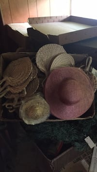 two brown and pink wicker baskets Hastings, 13036