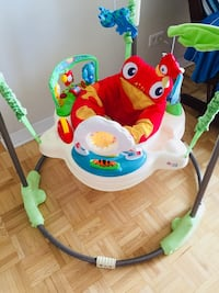 baby's white and green Fisher-Price jumperoo Montréal, H4V