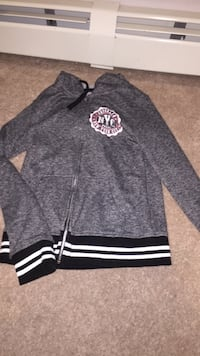 Women's size small NYC zip up hoodie  Calgary, T2Y