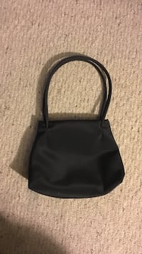 women's black shoulder bag Maple Park, 60151