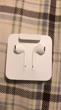 white Apple AirPods in case Caledon, L7C 3Y3