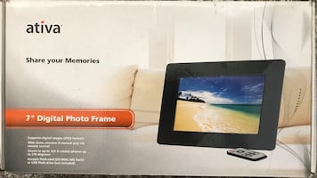 Digital Photo Frame by ATIVA 7""