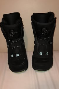 Snowboard boots size 9 US North Vancouver, V7H 2W3