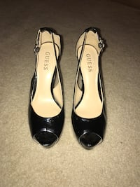 GUESS Womens Peep Toe Pumps, Size 7 Herndon, 20170