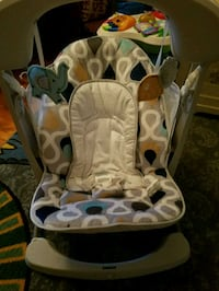 baby's white and gray bouncer Exeter, 18643