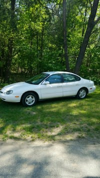 Ford - Taurus GL - 1997 25-30 MPG !!! Severn, 21144