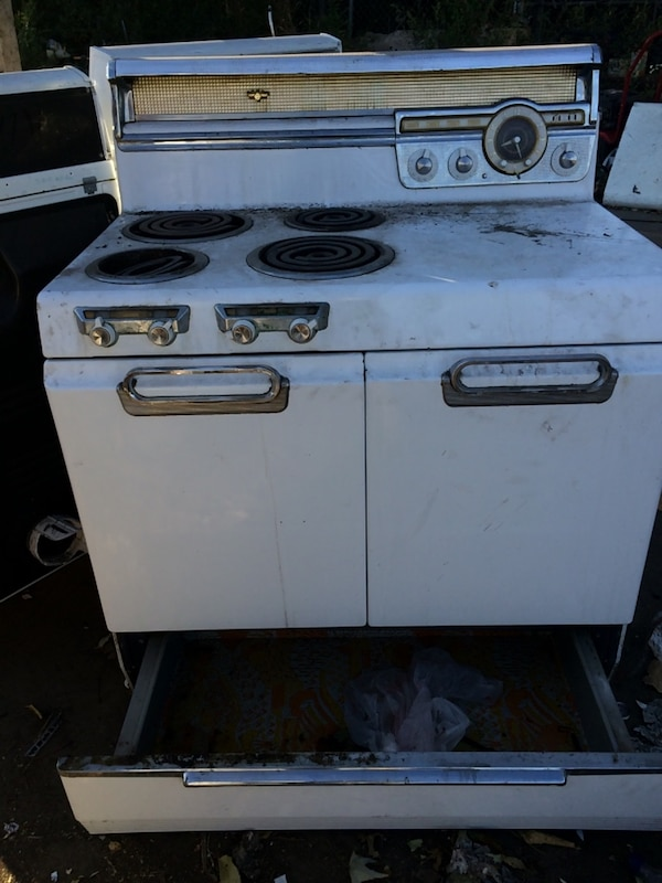 Used 1952 electric stove Made by General Motors for sale ...