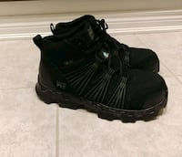 pair of black leather work boots Newmarket, L3Y 8X6