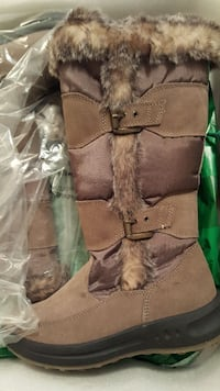 Cougar Women's winter boots Size 7