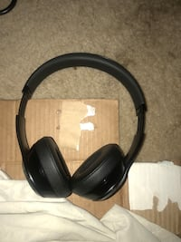 Black and brown corded headphones Temple Hills, 20748